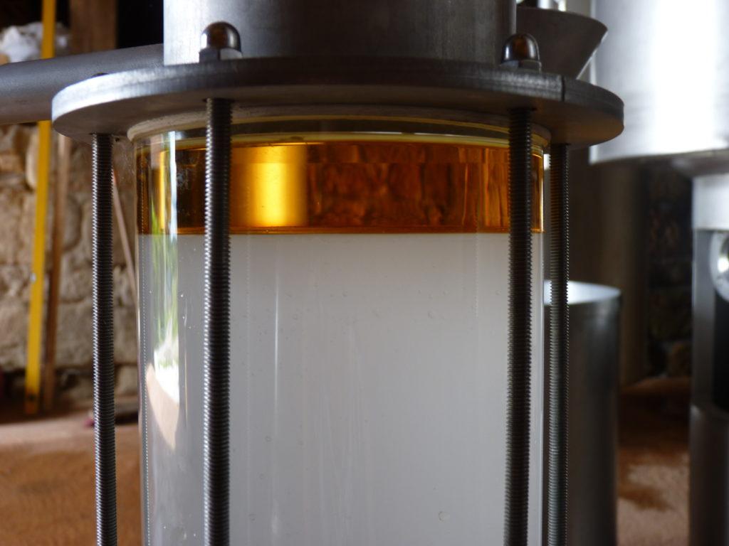 Décantation huile essentielle - hydrolat dans essencier